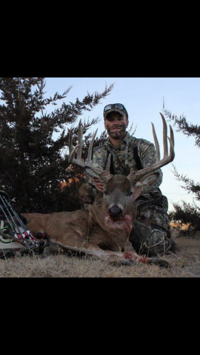 Outdoor adventures worldwide kansas trophy whitetails for Nebraska fishing license cost