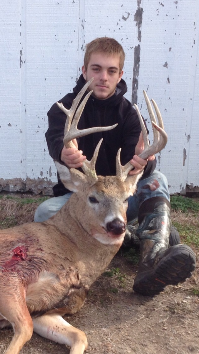 Outdoor adventures worldwide kansas trophy whitetails for Oklahoma fishing license cost